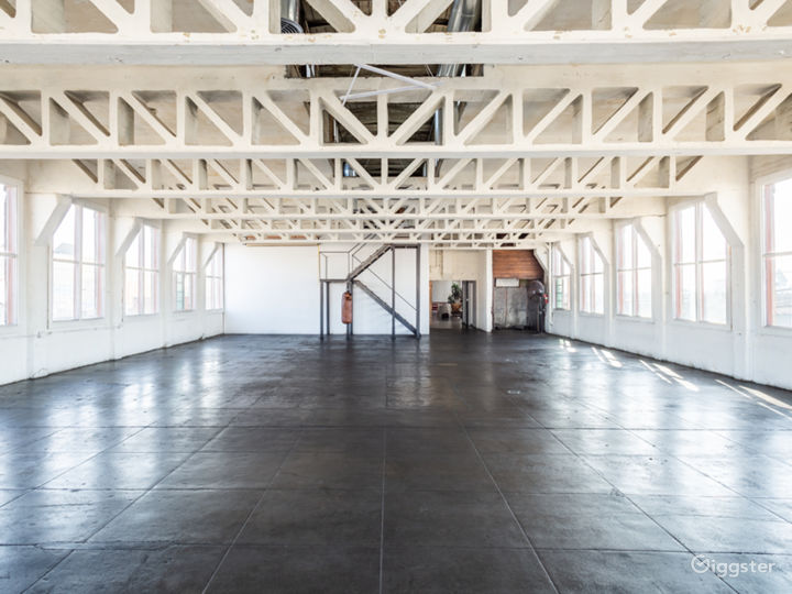 New York style warehouse loft with Central A/C Photo 4