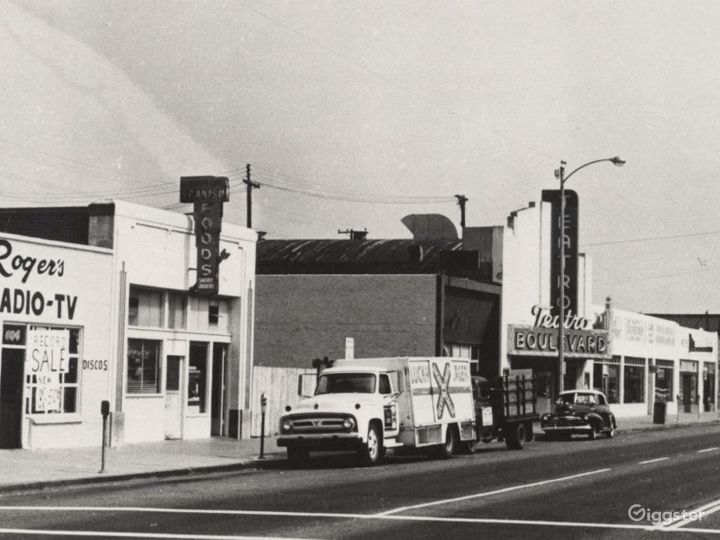 Historic Old Movie Theater & Music Studio Photo 2