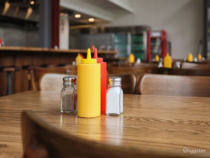 Atmospheric Restaurant in LA Photo 3