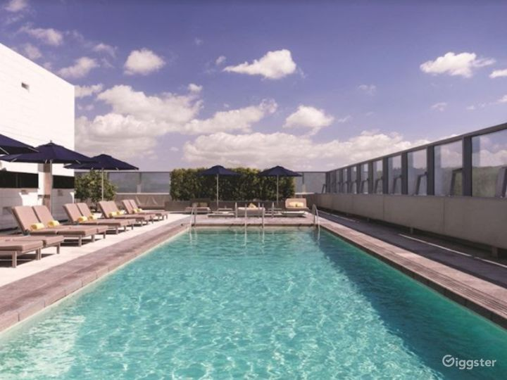 Great Rootop with Pool Photo 5