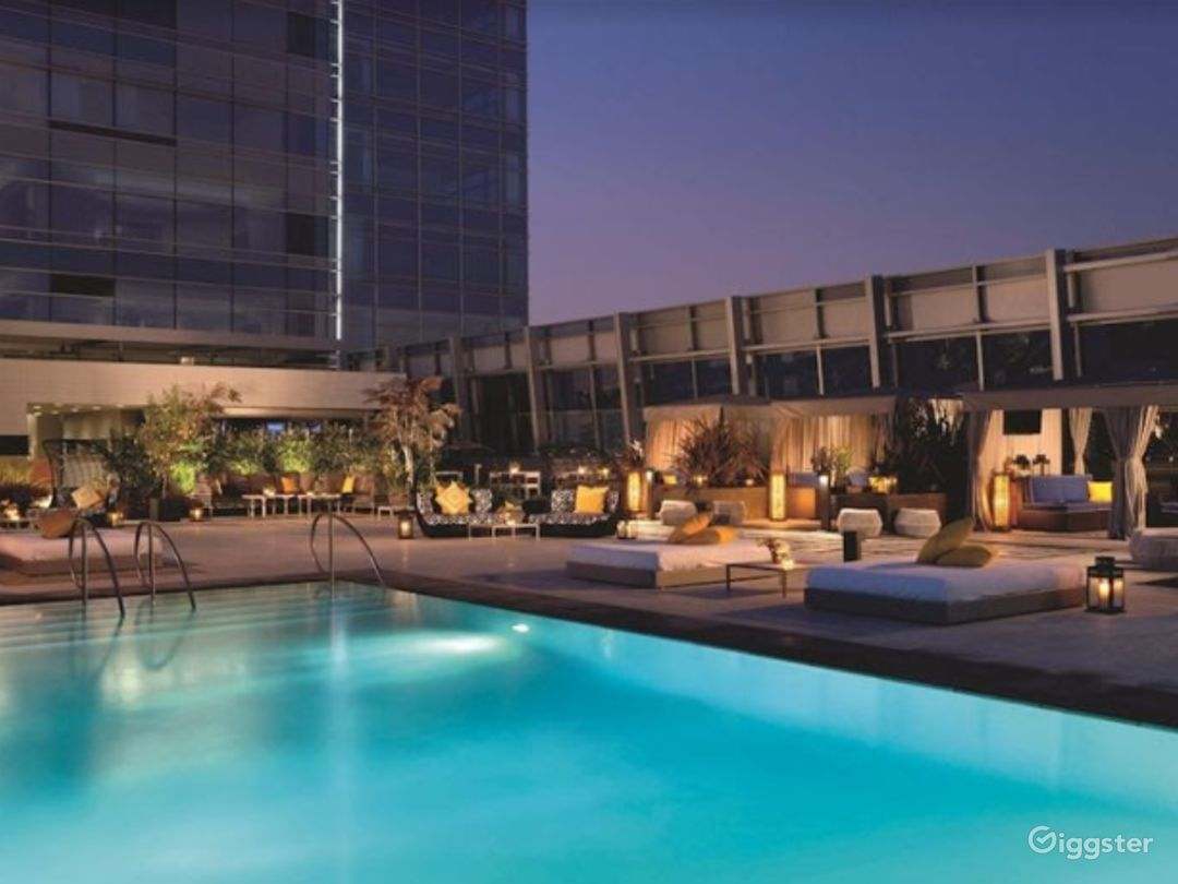 Great Rootop with Pool Photo 1