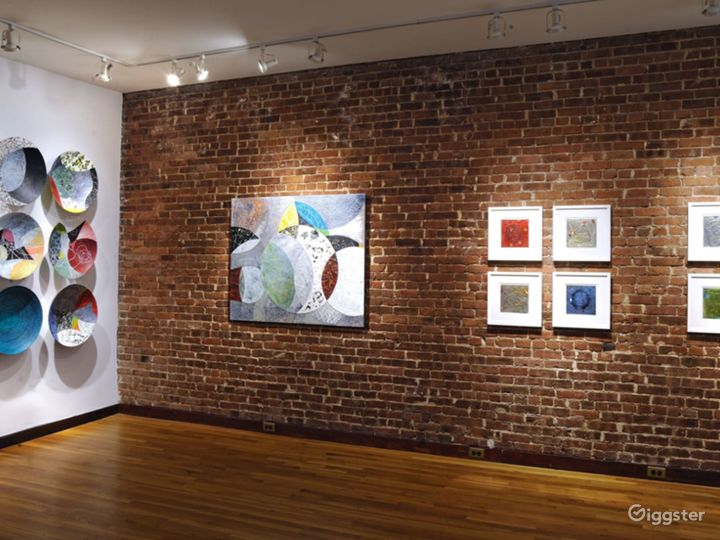 Intimate Contemporary Art Gallery Event Space Photo 3