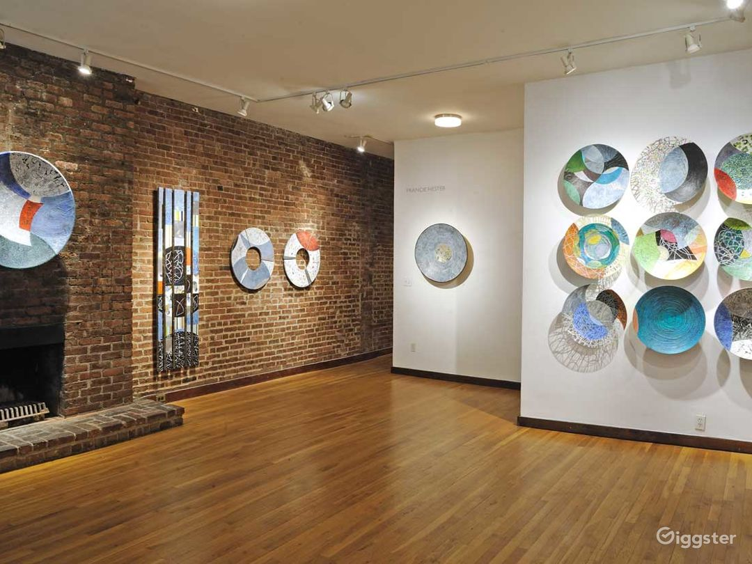 Intimate Contemporary Art Gallery Event Space Photo 1