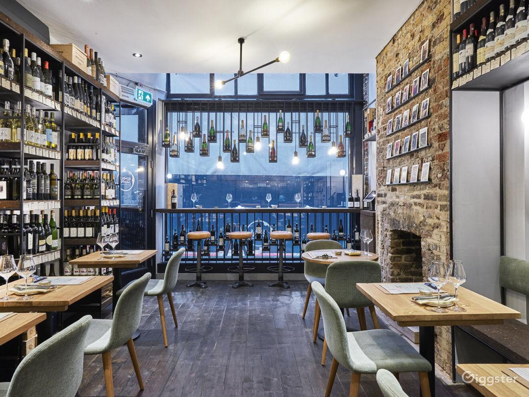 Lovely Tiny Wine Bar near Liverpool Street Station Photo 1