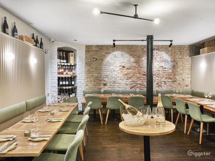 Lovely Tiny Wine Bar near Liverpool Street Station Photo 3