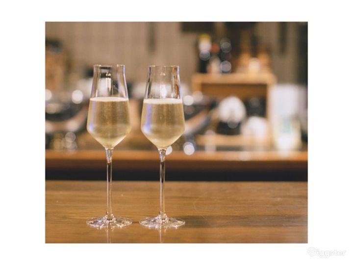 Lovely Tiny Wine Bar near Liverpool Street Station Photo 5