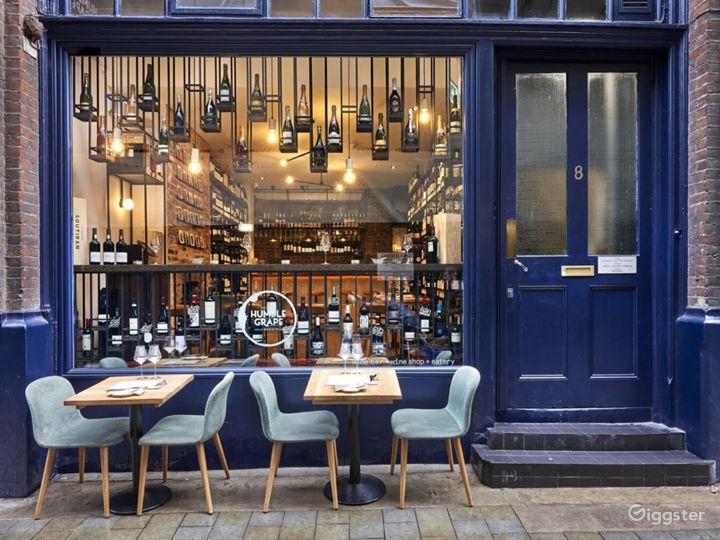 Lovely Tiny Wine Bar near Liverpool Street Station Photo 2