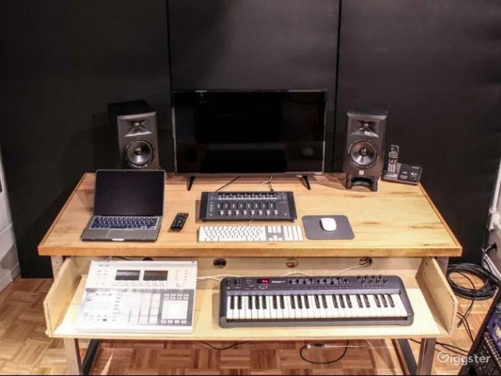 Spacious Recording Studio in Anaheim Photo 3