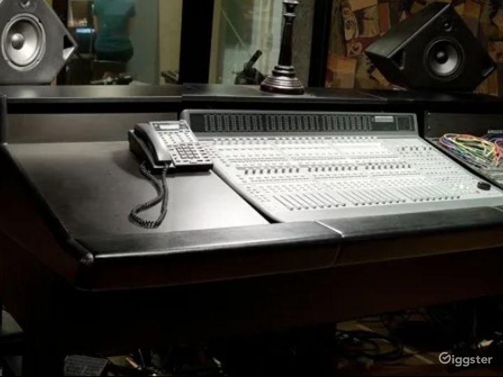 Spacious Recording Studio in Anaheim Photo 2