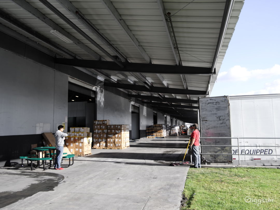Modern Industrial Warehouse - Fontana, CA  Photo 4