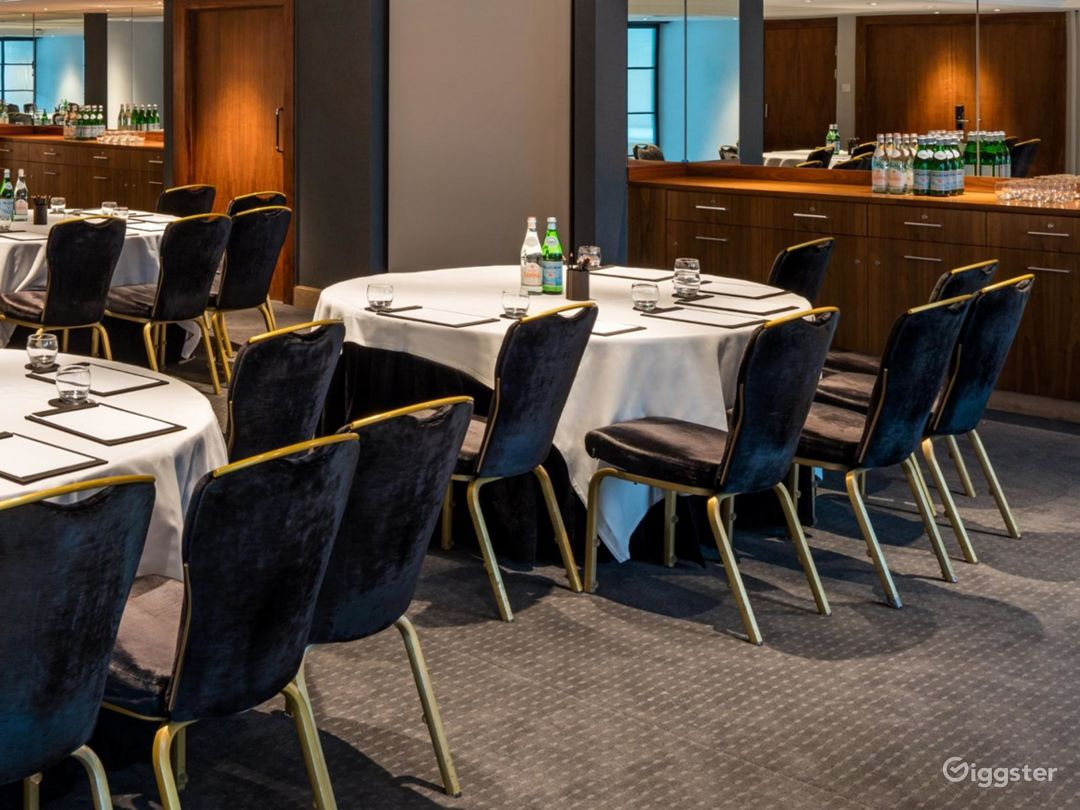 Graceful Private Room 20 in Manchester Photo 1