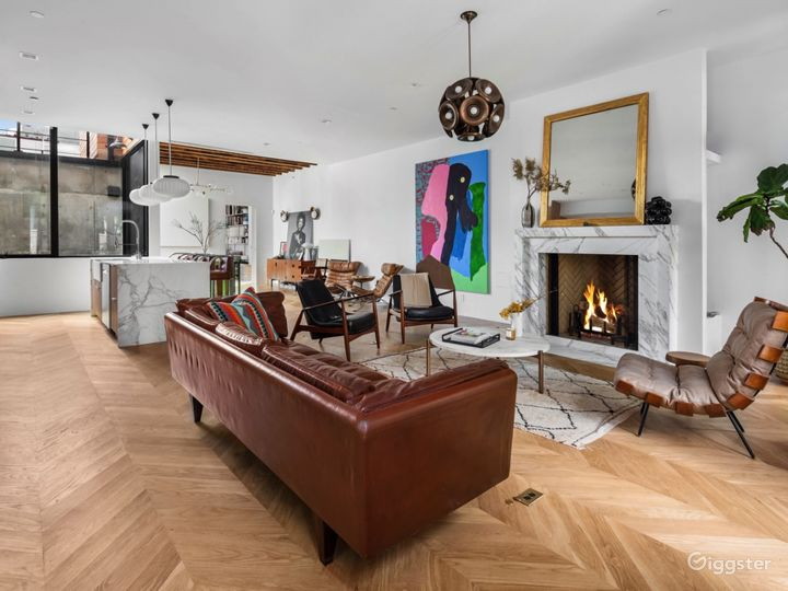 Spectacular Renovated, Mid-Century Townhouse  Photo 2