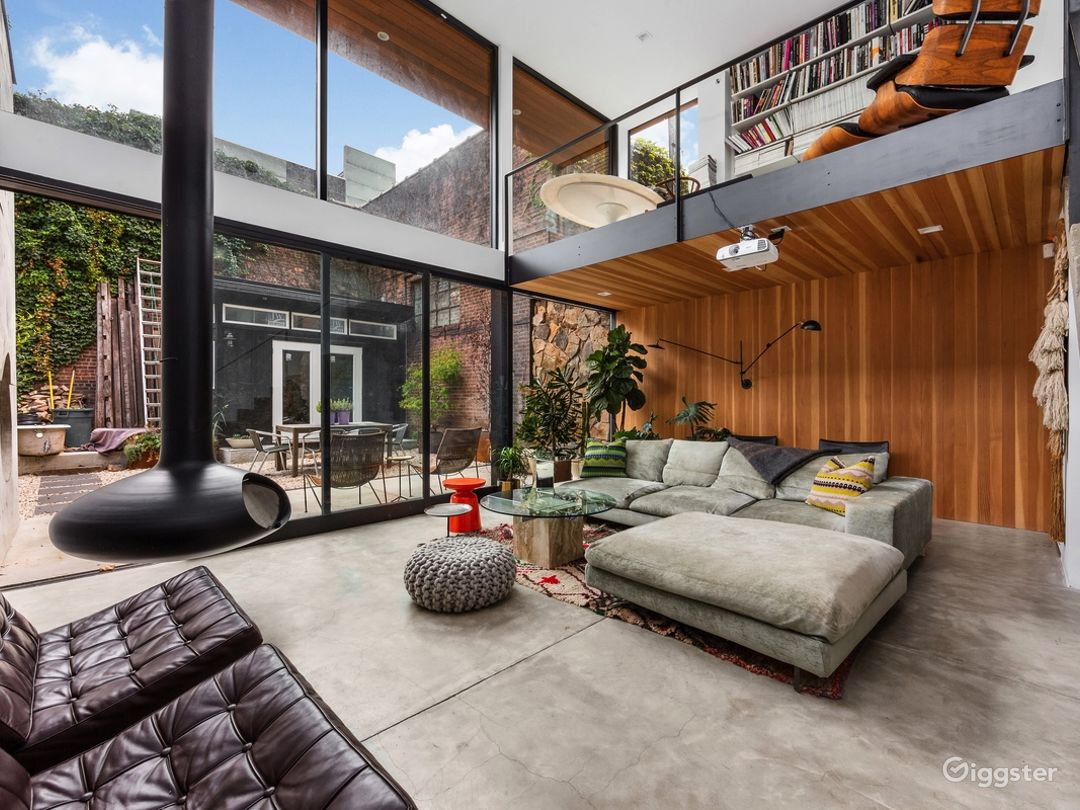 Spectacular Renovated, Mid-Century Townhouse  Photo 1