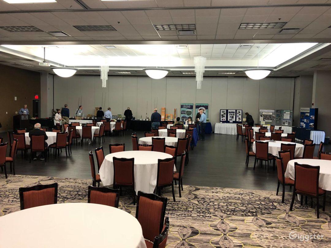 Elegant Banquet Ballroom in Bloomington Photo 1