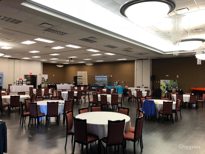 Elegant Banquet Ballroom in Bloomington Photo 5