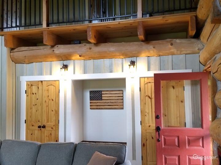 Hand-crafted Log Homestead on beautiful acreage Photo 5