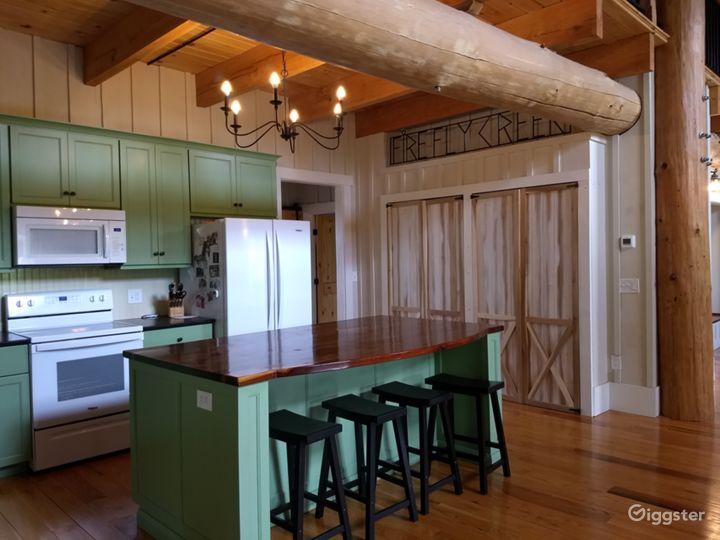 Hand-crafted Log Homestead on beautiful acreage Photo 3