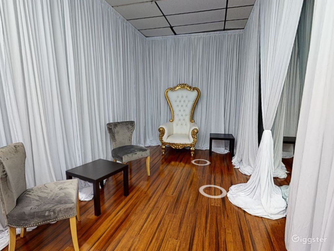 Sophisticated Grroom Room in Clearwater  Photo 1