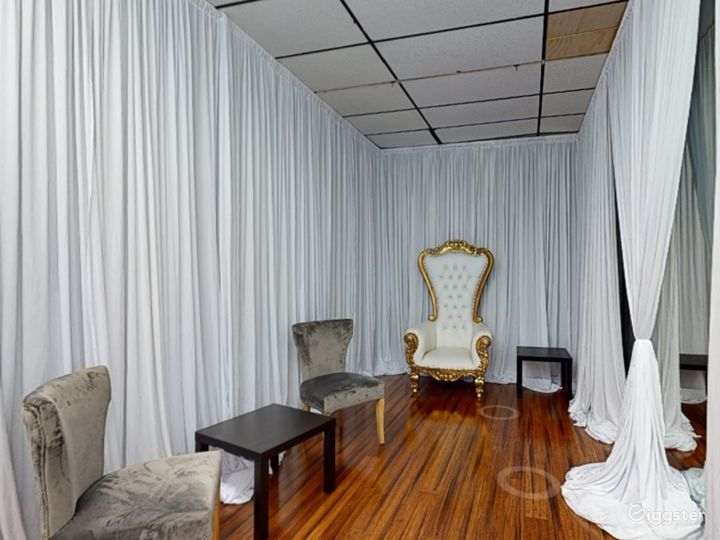 Sophisticated Grroom Room in Clearwater  Photo 4