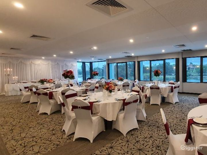 Magnificent Moreton Bay Room with Lake View Photo 2