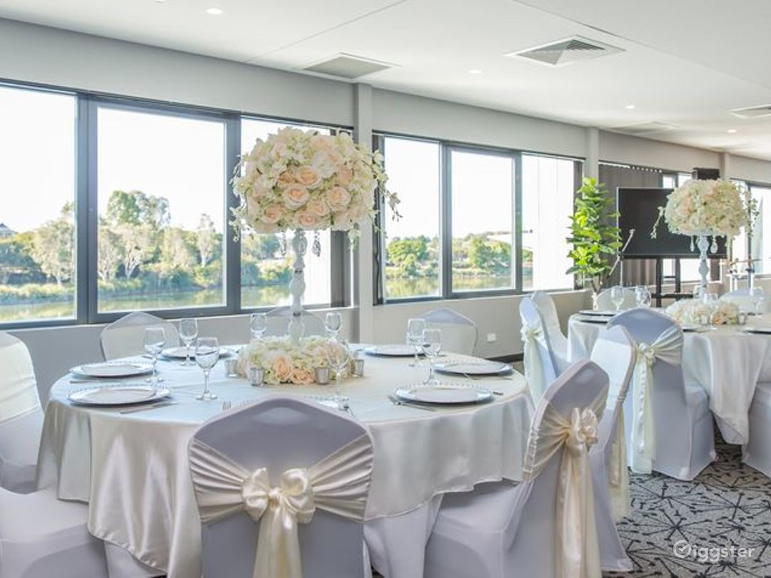 Magnificent Moreton Bay Room with Lake View Photo 1
