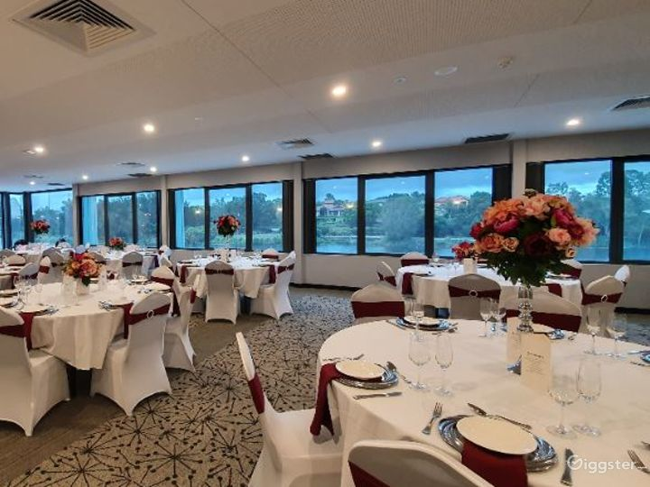 Magnificent Moreton Bay Room with Lake View Photo 3