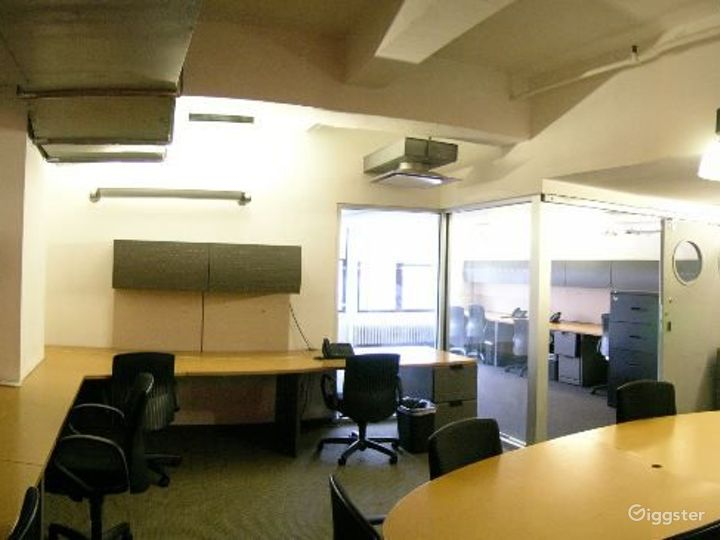 Office suites and conference room: Location 4098 Photo 2