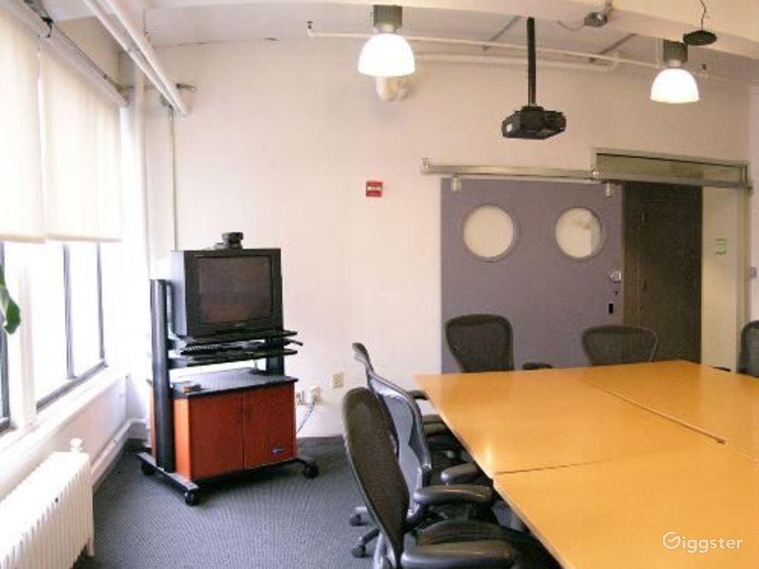 Office suites and conference room: Location 4098 Photo 1