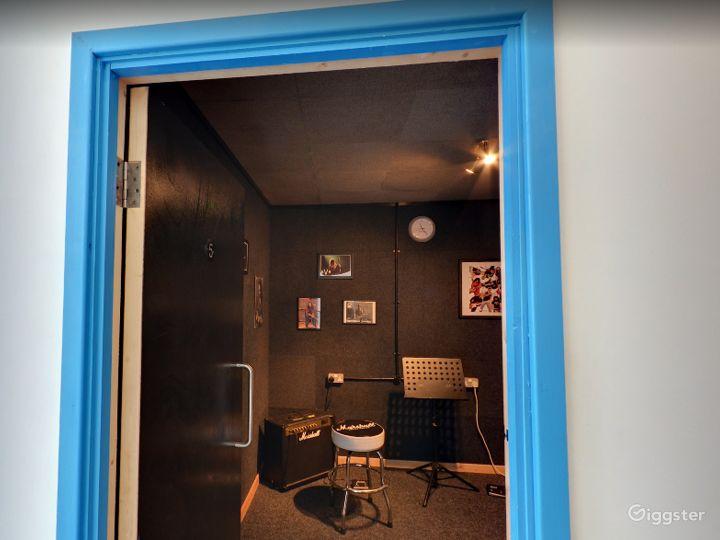 Music Room 5 in Birmingham Photo 3