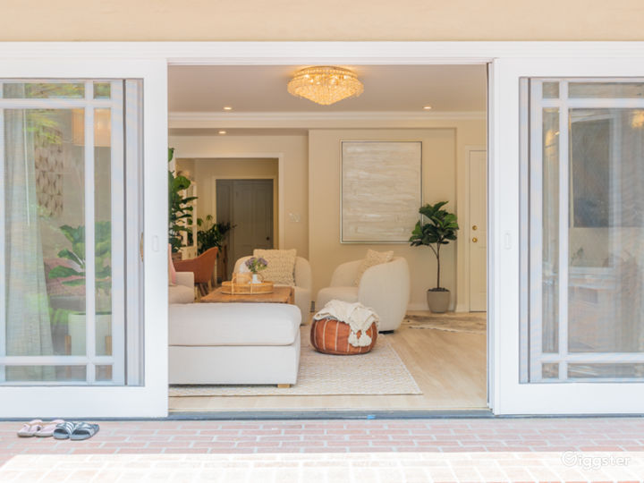 LA French Modern Bright Boho Beveled-Glass House Photo 2
