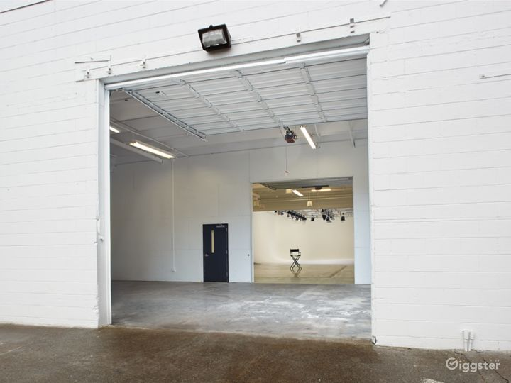 Studio Two – Photographer's Playground Photo 4