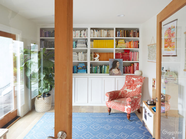 Artist's home, light filled, blue-grey kitchen Photo 3