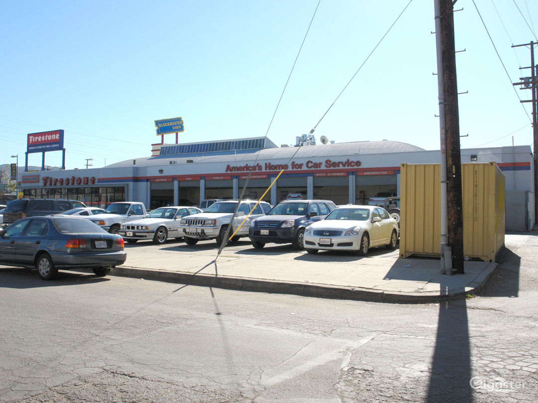AUTOMOTIVE USE / TIRE SHOP Photo 4