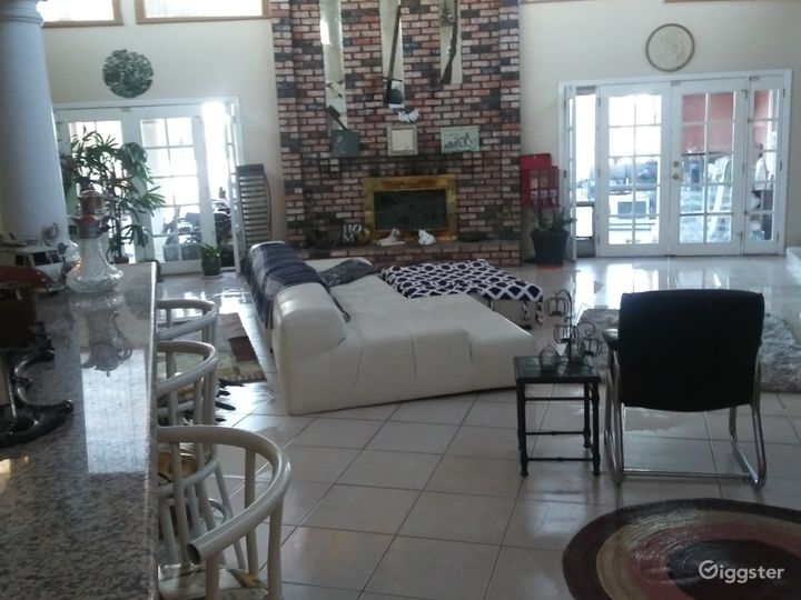 Large Vegas house 1/2mile from strip
