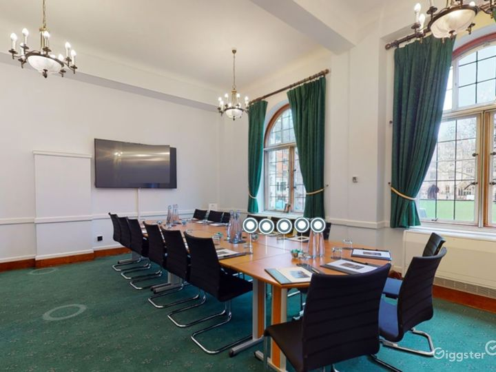 Sir Herbert Baker Room in London Photo 3