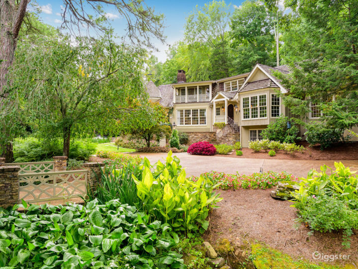 6,000 sqft Tennessee Home w/pond/lush landscaping Photo 4