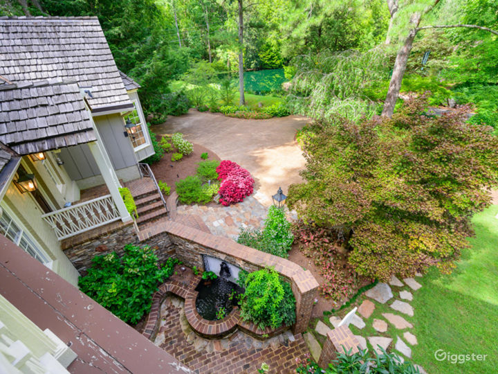 6,000 sqft Tennessee Home w/pond/lush landscaping Photo 5