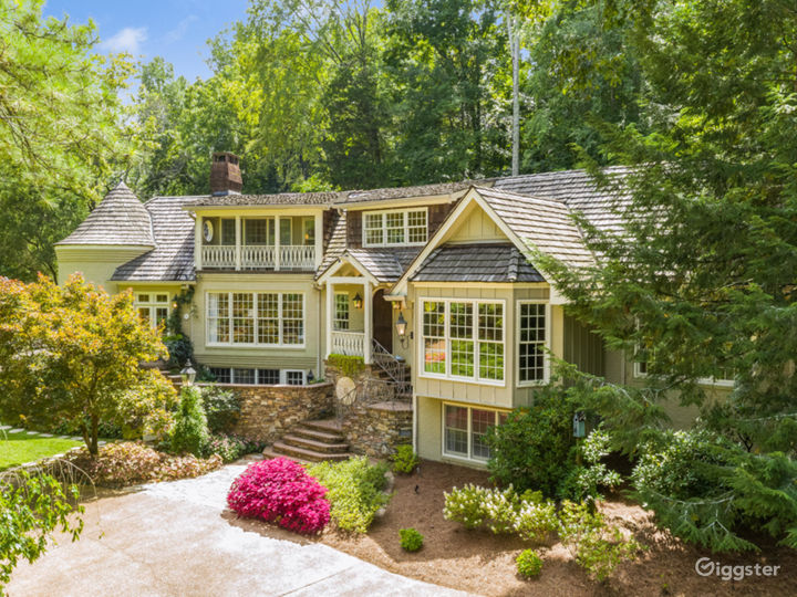 6,000 sqft Tennessee Home w/pond/lush landscaping Photo 3