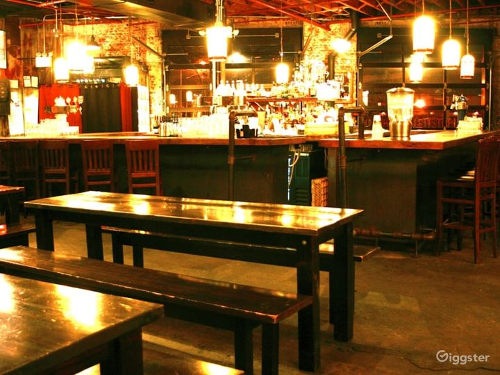 Bar and Ale Indoor Area Photo 2