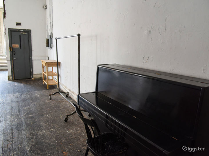 Soho loft with artists studio: Location 5017 Photo 2
