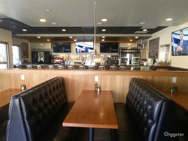 People's Newest Favorite Bar-Gastropub-Burger Restaurant in Los Alamitos Photo 3