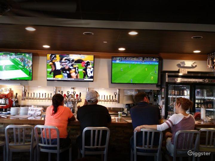 People's Newest Favorite Bar-Gastropub-Burger Restaurant in Los Alamitos Photo 4