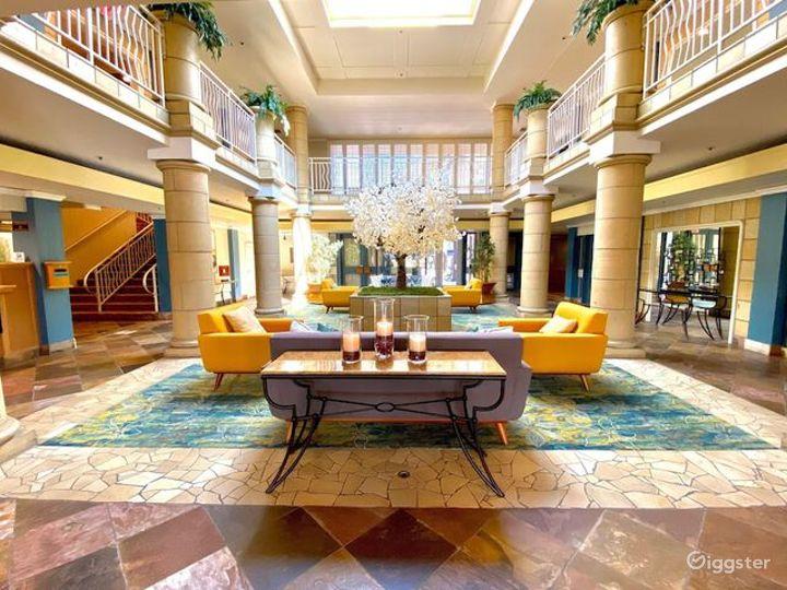 Alluring Lobby Conference Venue Photo 2