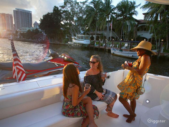 Premium 55FT FLYBRIDGE Party Yacht Space Events Photo 5