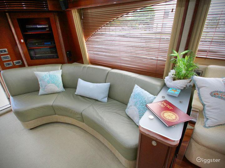 Premium 55FT FLYBRIDGE Party Yacht Space Events Photo 2