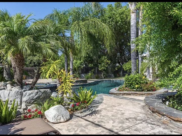 Tropical oasis in Thousand Oaks Photo 2