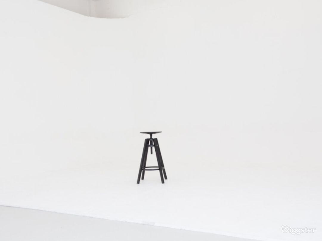 Full Service Media Production Studio with Built in Infinity Cove Photo 1