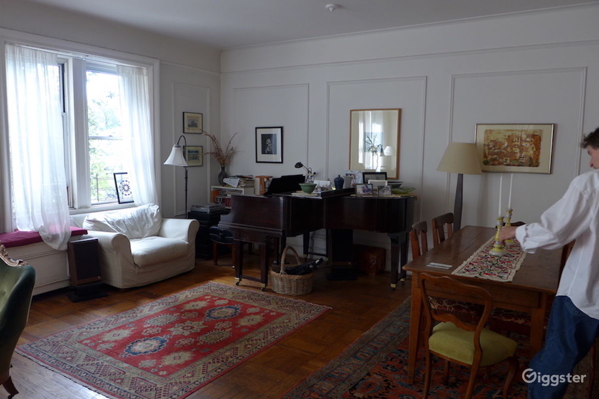 rent pre war upper west side apartment with musical instruments