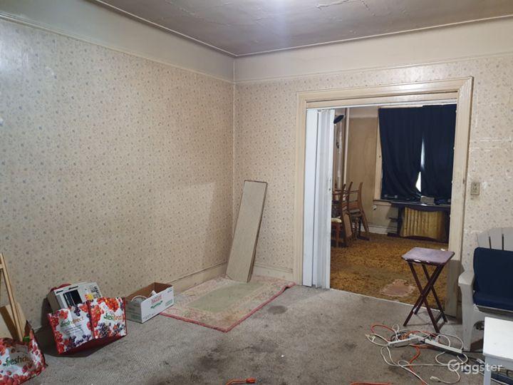 Unique Wallpaper/Retro Abandoned Apartment Photo 2