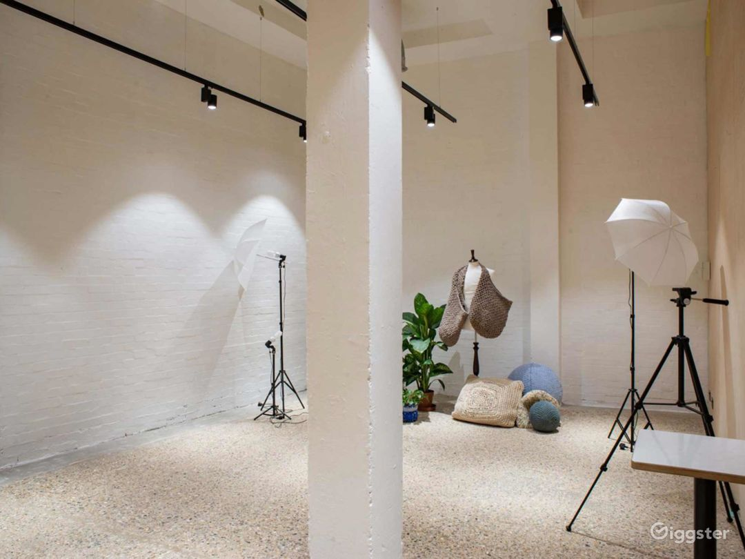Beautiful Warehouse Conversion Space for Filming or Photoshoots in London Photo 1